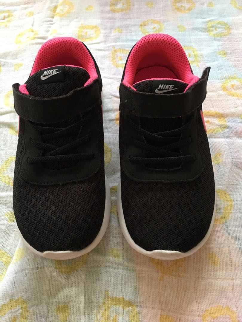 Nike toddler shoes (girl) 5d1edd4db