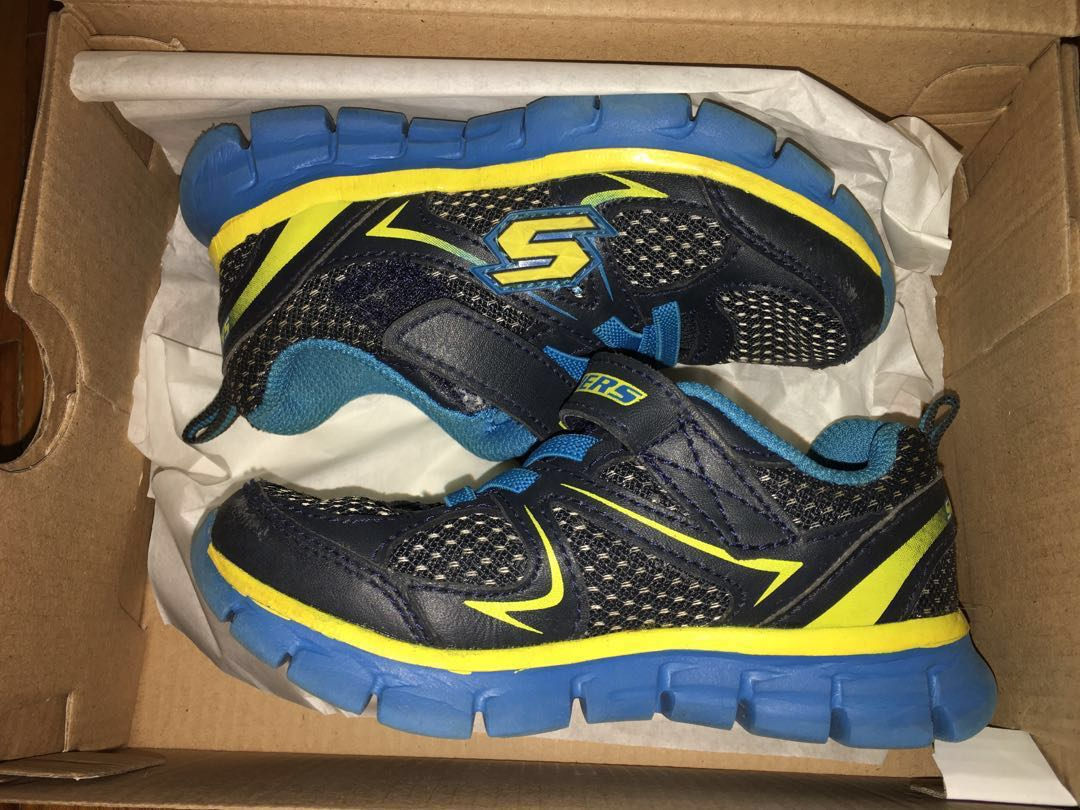 ed2e2bcacb7a4a Skechers Memory foam Gel infused shoes (kids US size 8)