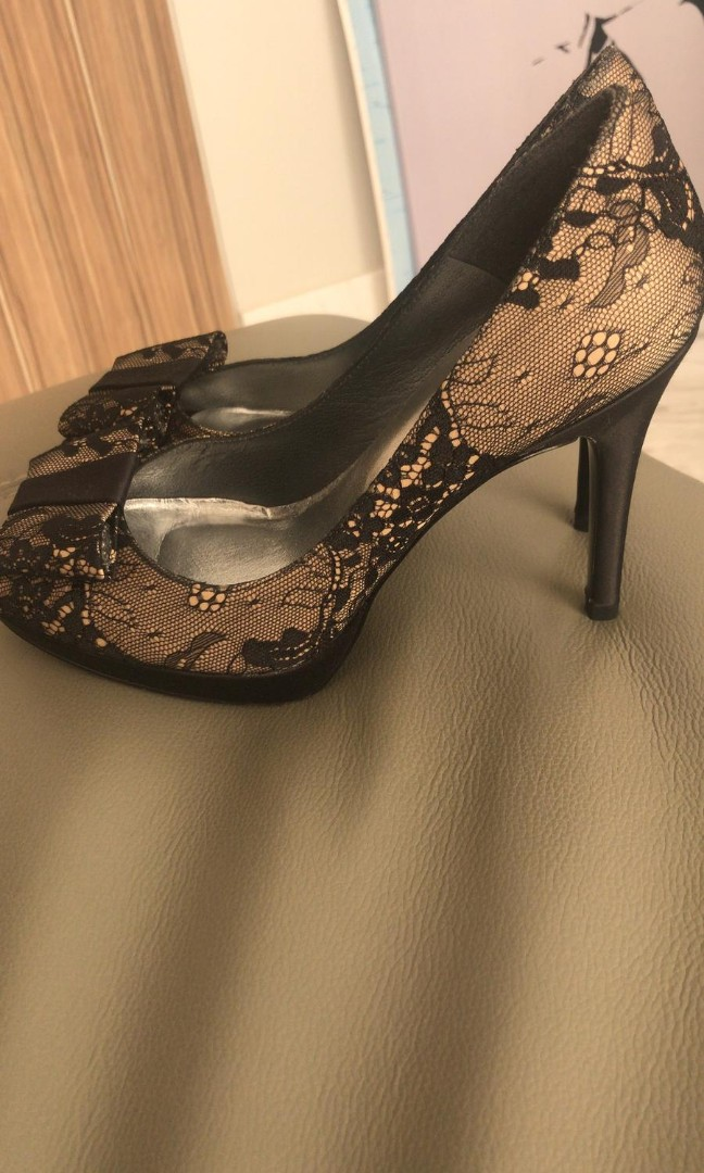 3f5adefe833 Brand new stuart weitzman high heel shoes
