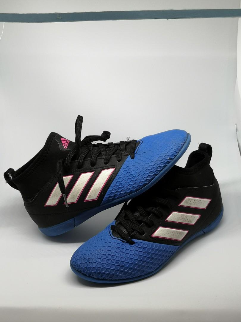 c4f2ffae0557d4 Used Adidas Turf Shoe