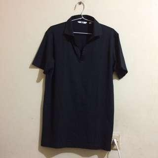 Uniqlo Button Free Vneck Polo Shirt