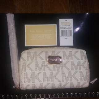 BNWT Original Michael kors mk wristlet smartphone wallet
