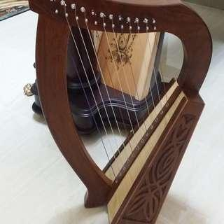 4 harp lessons plus 12 strings mini harp package in LCK studio