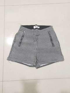 Temt Checkered Shorts