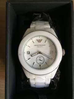 減價出售100%全新,行貨原裝盒,已經停產,EMPORIO ARMANI 白色陶瓷電子石英手錶 ,AR1425白色陶瓷錶殼,白色陶瓷錶帶白色錶盤,全部原裝正品行貨,國際保養証、功能正常,,錶帶足長度