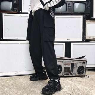 🚚 全新 黑色束口大口袋工裝褲