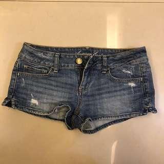 🚚 8成新 牛仔低腰短褲 辣妹必備低腰短褲 夏天海邊必備短褲