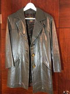 女庒皮褸, Leather jacket