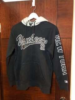 NY Yankees 拉鏈衛衣 size S ,只售真貨。