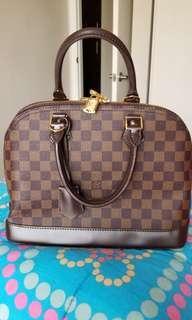 Preloved LV bag 3k only