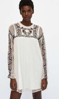 Zara tops white floral embroidered top