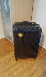 big suits case 7/10 condition biggest size for check-in laggage