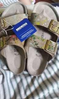 Birkenstock Woman sandal Flower Crush Taupe