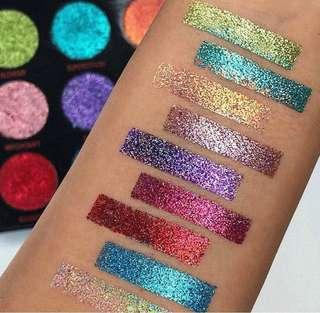 *Authentic - Pressed Glitter Palette in Abracadabra by Makeup Revolution