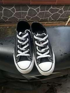 Sepatu Motix America