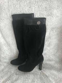 Michael Kors Boots 🖤 size 5.5