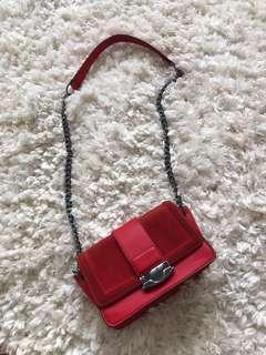 Beautiful shoulder bag ( red). HnM
