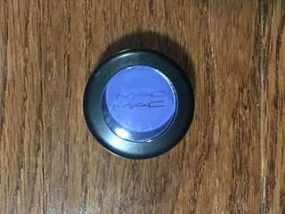 MAC eyeshadow pot