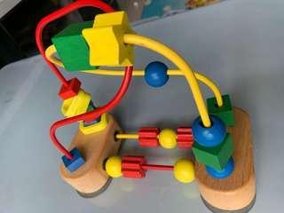 🚚 Melissa & Doug activity toy
