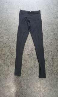 Clothing and Co size 8 black leggings