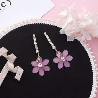 <free pos 3 pairs & above> Korean design earrings diamond with pink floral petal