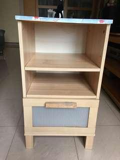 小型木紋櫃子有櫃桶