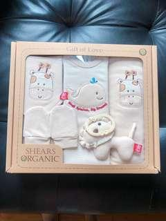 🚚 Brand New - Shears Organic 5pc Baby Gift Set