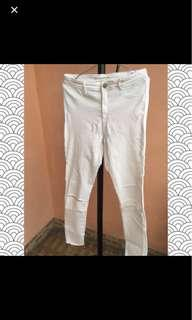 zara white ripped knee jegging