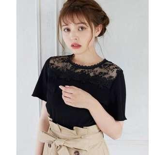 全新 現貨 日牌 日本流行品牌 INGNI 黑色蕾絲透膚拼接短袖上衣