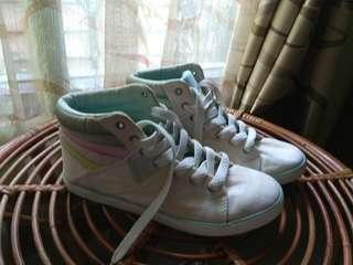 SALE Sepatu O'neill putih