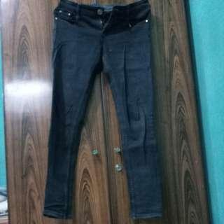 Celana jeans hitam zara