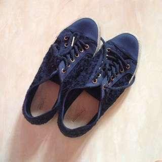 Navy Blue Sneakers Stradivarius