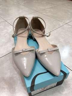 🚚 達芙妮 涼鞋 24.5公分