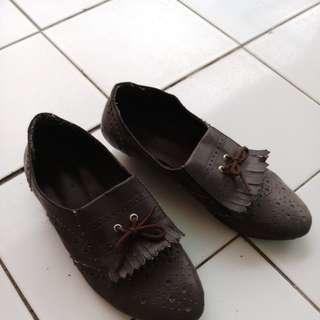 Sepatu coklat size 35