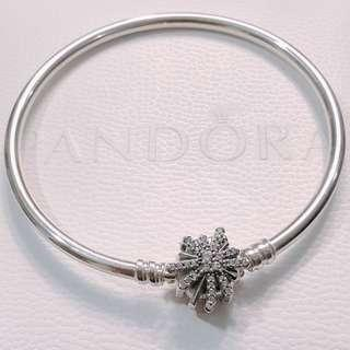 ♥️Pandora Fireworks Bangle (Brand NEW) - The Best is Yet to Come ♥️