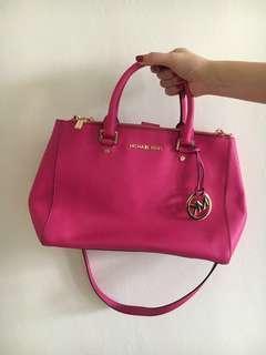 Michael Kors Bag in Bright Pink