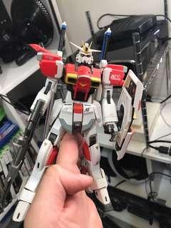 機器人-眼見所有,白件再噴白執色