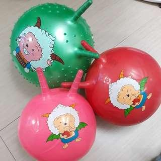 Bounce balls with handles