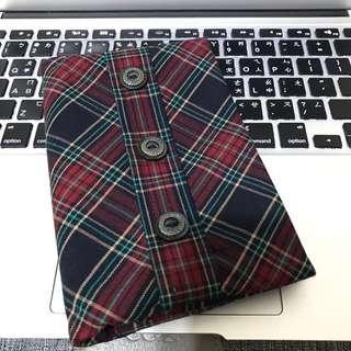 🚚 ZAZAZOO 格紋護照套,台南藍晒圖文創園區購入,僅出國使用一次,紅格紋