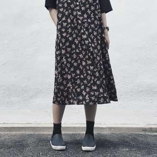 🚚 LazyQueens Vintage Pinafore Floral Dress