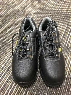 As new safety boots for fire sale