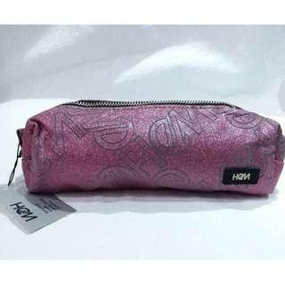 日本製♥HeM♥閃亮粉滿版LOGO化妝包/筆袋