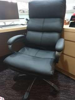 Comfy thick cushion office chair