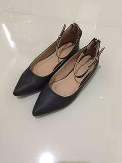 Zalora Pointed Flats