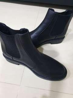 Black boots for Ladies