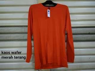 Kaos wafer merah terang