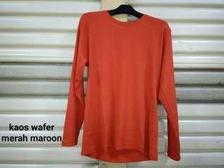 Kaos wafer merah maroon