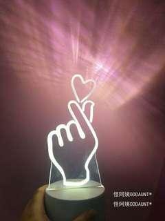 🚚 手指愛心Led燈