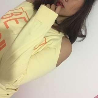Off shoulder sweater kuning orange sabrina oversized