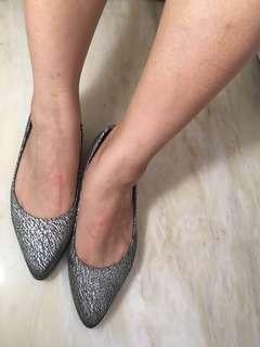 🚚 Moda luxury 銀色黑絲紋尖頭娃娃鞋